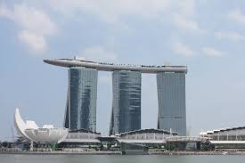 forum building that reporter in singapore by dubtractor