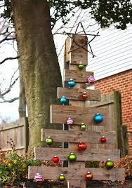 pallet christmas tree ideas u2013 creative diy christmas decorations