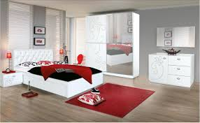 Red And White Bedroom Walls How To Decorate A Bedroom With Red Walls And White Living Room