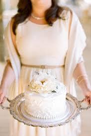 diy wedding cake tips preserving your top wedding cake tier