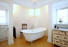 badezimmer landhaus badezimmermöbel holz modern gispatcher