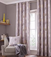6 ways to select curtains for your bedroom