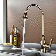 robinet laiton cuisine robinet de cuisine poignée unique doré finition en laiton pour un