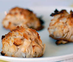 10 paleo christmas cookie recipes paleo coconut macaroons pecan