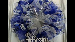 how to make a poof deco mesh wreath with ruffles youtube