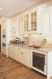 top of kitchen cabinet decor ideas kitchen paint and glaze kitchen cabinets decorating ideas