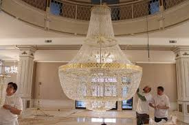 Largest Chandelier Installation Of Chandeliers Tomes Company Republic