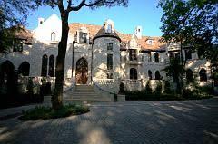 tony house tony romo of the dallas cowboys to buy toni guys mansion in dallas