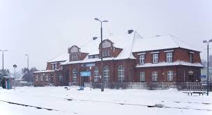 file tuchola station winter jpg wikimedia commons
