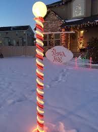 Diy Outdoor Lawn Christmas Decorations Best 25 Christmas Lights Ideas On Pinterest Garden