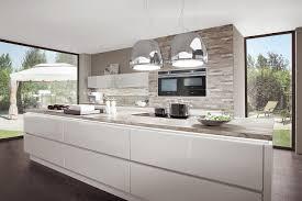 kche wei mit holzarbeitsplatte awesome küche weiß braun ideas ghostwire us ghostwire us