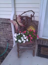 Flower Garden Chairs I Love The Vines And I Think Birdhouse In Addition To The Chair