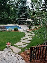 Backyard Walkway Ideas by Best 25 Slate Pavers Ideas On Pinterest Stone Walkway Slate
