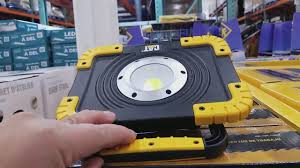 cat 324122 rechargeable led work light cat led worklight 3000 lumens from costco youtube