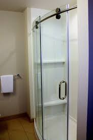 Curved Shower Doors Curved Glass Shower Door With Visible Roller Sleek Beaut Flickr