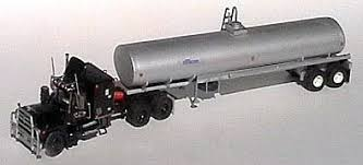 rubber duck mack rs700l tank trailer