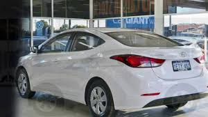 hyundai elantra white 2015 hyundai elantra md series 2 md3 active white 6 speed