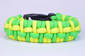 paracord bracelet youtube images Make the quot humpback fishtail quot paracord survival bracelet jpg