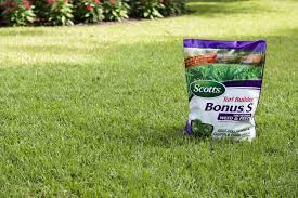 scotts turf builder bonus s southern weed and feed lawn care