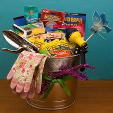 Gardening Basket Gift Ideas 31 Best Gardening Gift Basket Images On Pinterest Gift Basket
