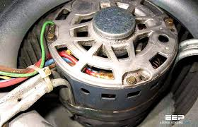 motor connection for clockwise and counterclockwise direction of