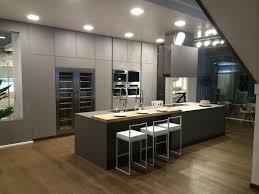 cuisine effet beton cuisine design ouverte façade effet béton par creathome 24