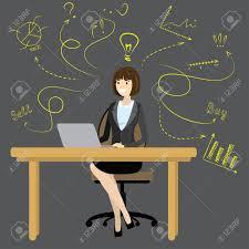 bureau des finances femme d affaires ou un employé de bureau assis à l ordinateur le