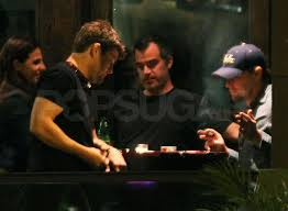 pictures of leonardo dicaprio and bar refaeli visiting his mothers