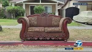Sofas Los Angeles Ca Photographer Captures Curbside Sofas All Around Los Angeles Abc7 Com