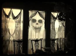 Diy Creepy Halloween Decorations Halloween Hacks And Diy Ideas Maybe Doing A Hand Sanitizer For