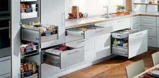 tiroir pour cuisine les tiroirs et mécanismes spéciaux pour vos armoires de cuisine blum