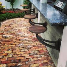 How To Build An Outdoor Kitchen Counter by Best 25 Backyard Kitchen Ideas On Pinterest Outdoor Kitchens