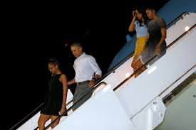 Vacation Obama Obamas Return To Hawaii For Christmas Vacation Pbs Newshour