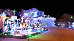 Polar Bear Christmas Light Decorations by Winnipeg Homeowners Light Up The Night With Holiday Displays