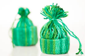 how to make a tiny hat ornament with yarn expression fiber arts