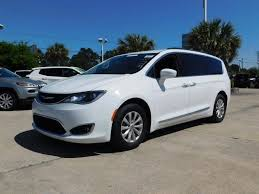 pacifica siege used 2017 chrysler pacifica touring l duluth ga suwanee