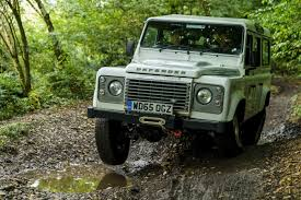 new land rover defender coming by 2015 2015 land rover defender 110 vs 2017 land rover discovery