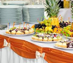 buffet table decor ideas for the buffet at a wedding reception