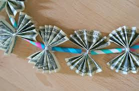 money leis diy graduation gifts learn how to make a money tutorial