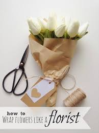 flower wrapping paper how to wrap flowers like a florist the design corner