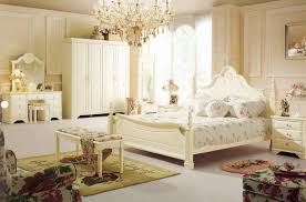Vintage Bedroom Decorating Ideas Floral Wallpaper Bedroom Ideas Home Design Ideas