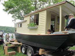Pontoon Houseboat Floor Plans by Small Houseboat Home Design Ideas