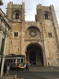 a visit lisbon cathedral