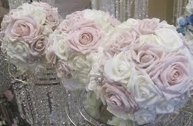 wedding flowers kilkenny 32 beautiful winter wedding bouquets weddingsonline