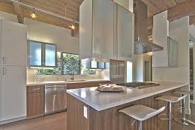 cuisine ouverte sur salle à manger cuisine cuisine ouverte sur salle a manger avec jaune couleur