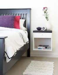 Plans For A Wooden Bedside Table by Best 25 Pallet Night Stands Ideas On Pinterest Diy Furniture