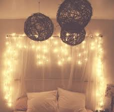 Hanging Christmas Lights In Bedroom by The 25 Best Young Bedroom Ideas On Pinterest Room
