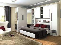 chambre a coucher parentale chambre a coucher avec pont de lit coucher avec armoire chambre