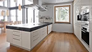 küche im wohnzimmer offene küche wohnzimmer stumm geschaltet auf ideen zusammen mit 6