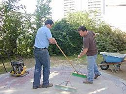 Laying Patio Pavers by How To Lay A Circular Paver Patio How Tos Diy